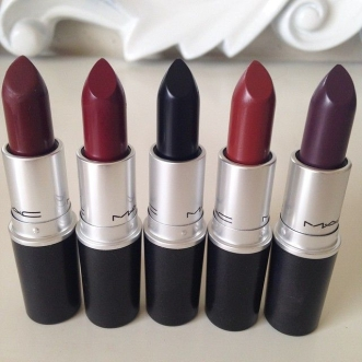 a07ca55c6353a35299585b23c2268544--dark-lipstick-colors-dark-lipstick-makeup